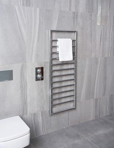 Bathwaters Lingfield Chrome 1300×500 Lifestyle