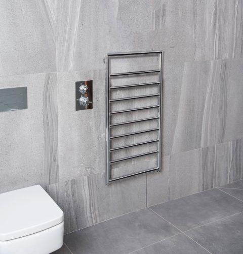 Bathwaters Lingfield Chrome 900×500 Lifestyle