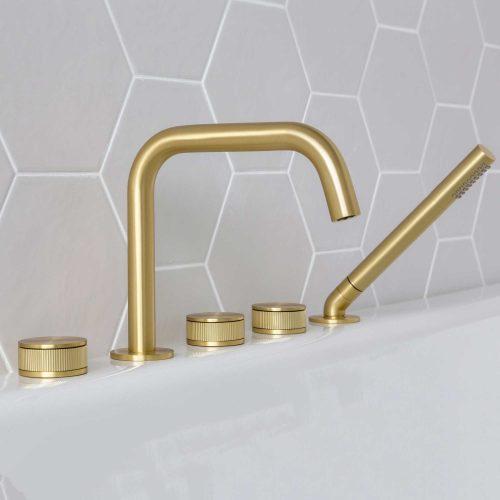 West One Bathrooms Decca Bath Filler – Brushed Brass