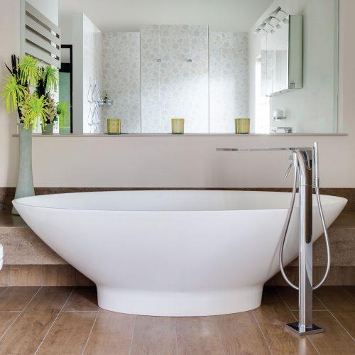 West One Bathrooms – bab010 baths v1 ls